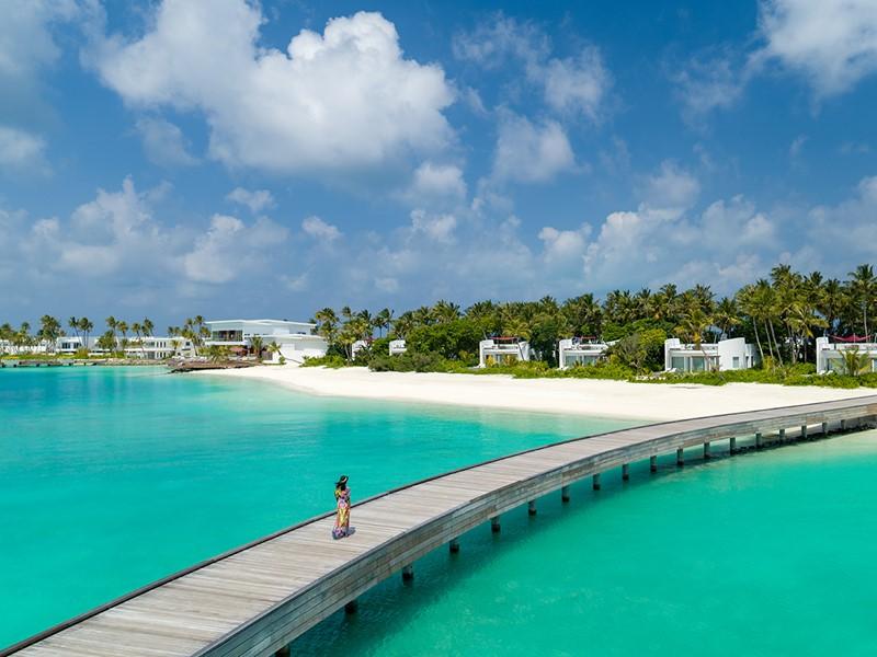 Le LUX* North Malé vous charmera par son lagon turquoise