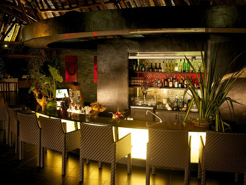 Le bar Oaoa de l'hôtel Maitai Lapita Village