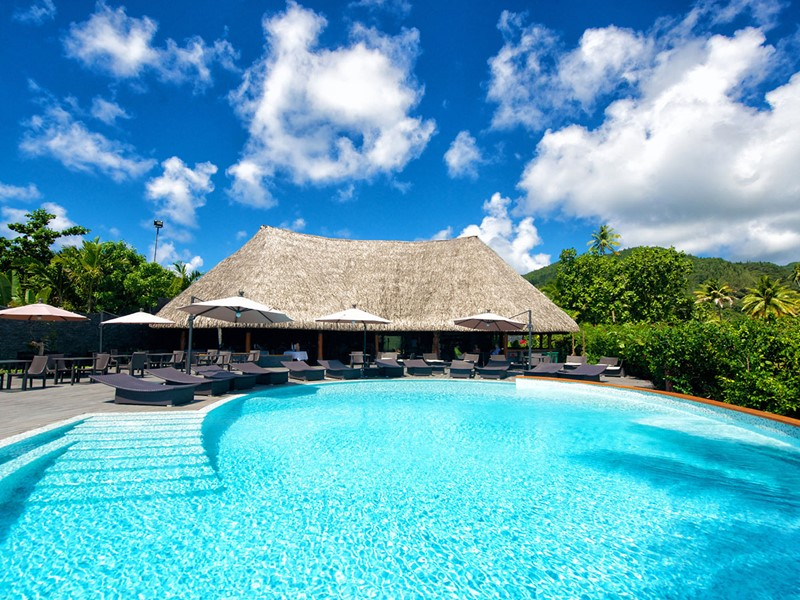La piscine de l'hôtel Maitai Lapita Village en Polynésie