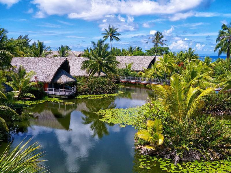 Vue des bungalows du Maitai Lapita Village