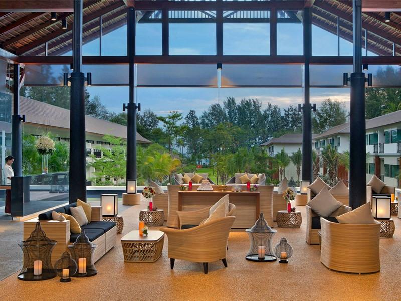 Le lobby du Manathai Khao Lak situé en Thailande