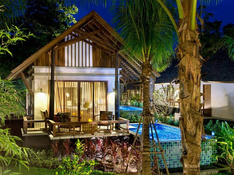 Vue extérieure de la Pool Villa de l'hôtel Manathai