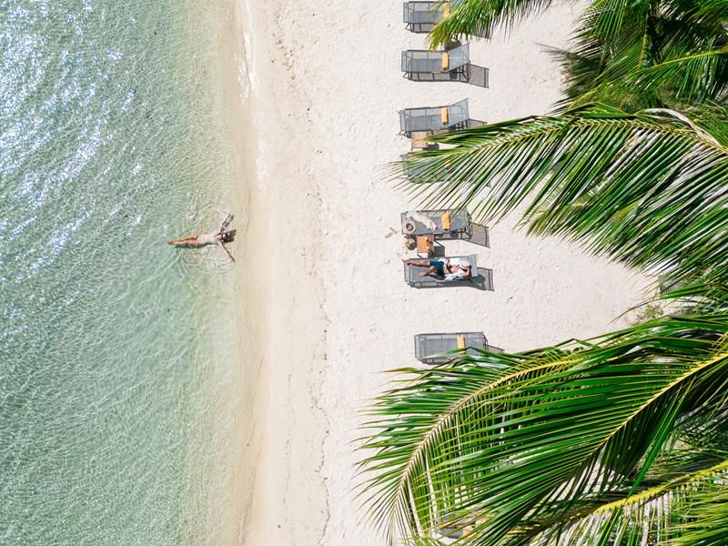Profitez de la magnifique piscine du Manava en Polynésie