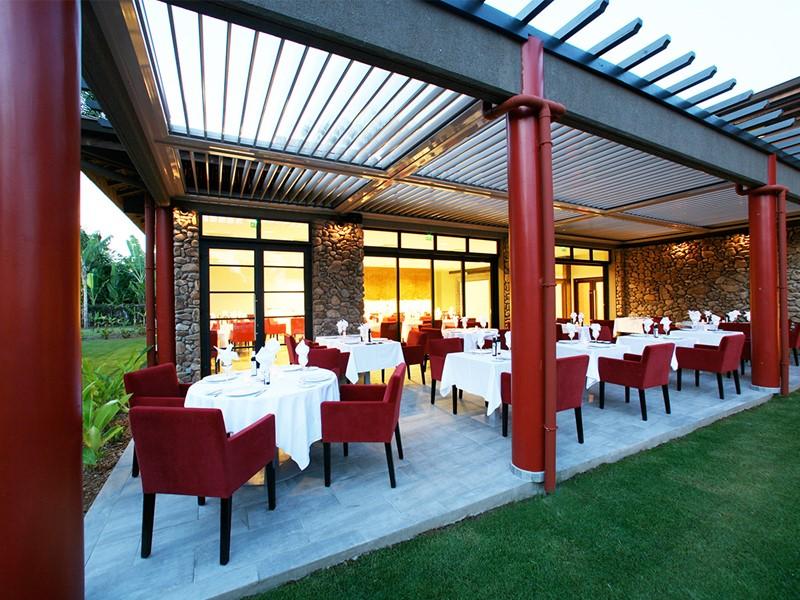 Le restaurant Vaitohi de l'hôtel Manava Suite Hotel en Polynésie