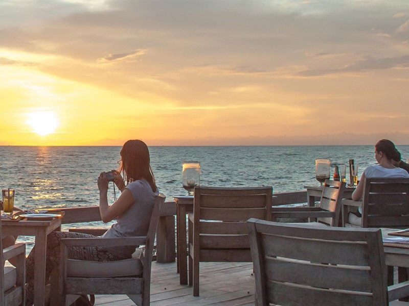 Assistez à de magnifique coucher de soleil au Mango Bay