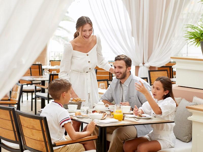 Prenez votre petit déjeuner en famille