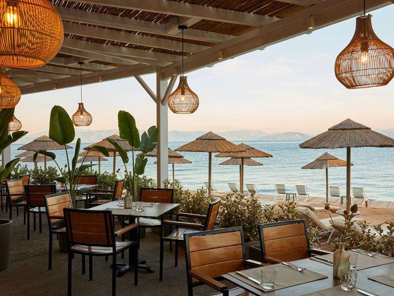 Le Deck Bar & Grill Beach Bar & Restaurant