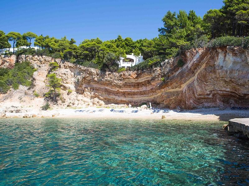 Profitez de la belle plage de l'hôtel Marpunta