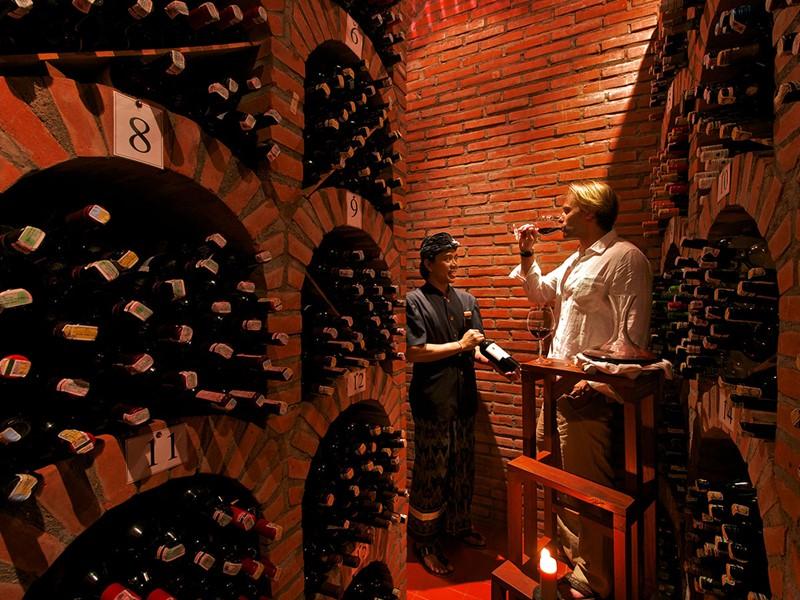 La cave à vin de l'hôtel Matahari Beach Resort