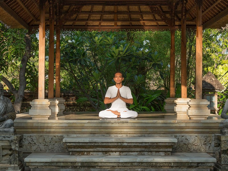 Méditation à l'hôtel Matahari Beach Resort à Bali