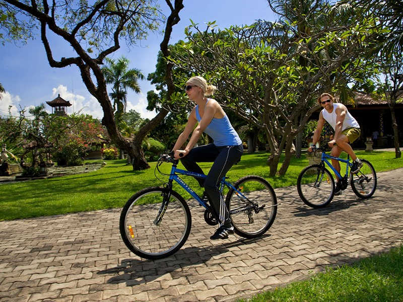 Balade à vélo au Matahari Beach Resort à Bali