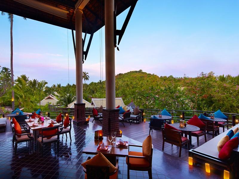Cuisine aux influences thaïes et françaises au restaurant Kan Sak Thong du Melati