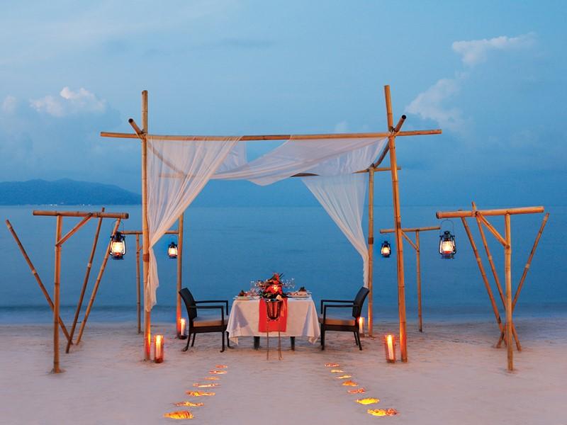 Dîner romantique les pieds dans le sable au Melati