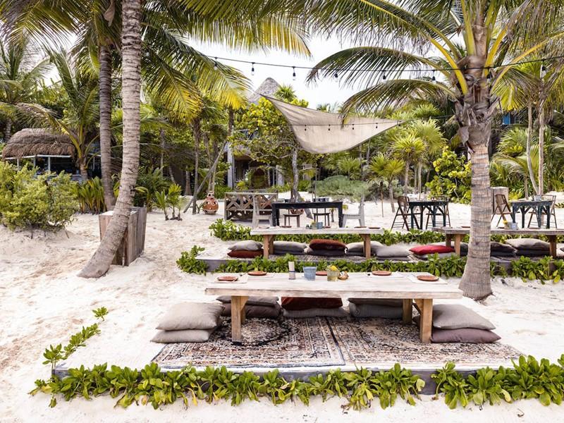 Un hôtel les pieds dans le sable