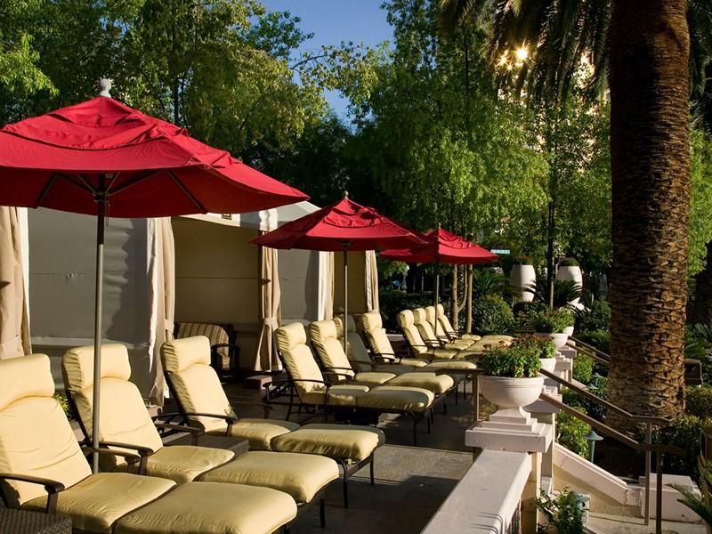 Détente à l'ombre à l'hôtel MGM Grand, aux Etats-Unis