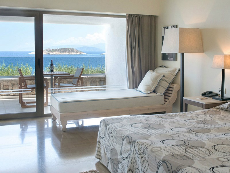 Upper-Deck Ocean View Room du Minos Palace