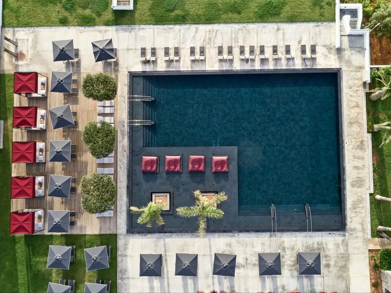 La piscine de l'établissement
