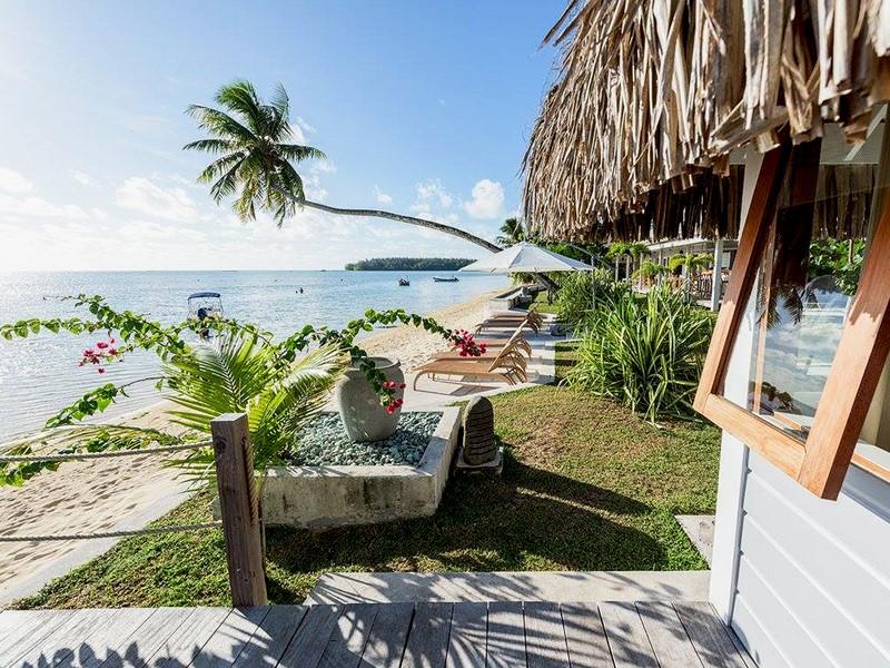 Accédez directement à la magnifique plage depuis le Moorea Beach Lodge