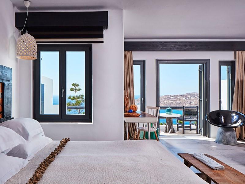 Majestic Retreat Room