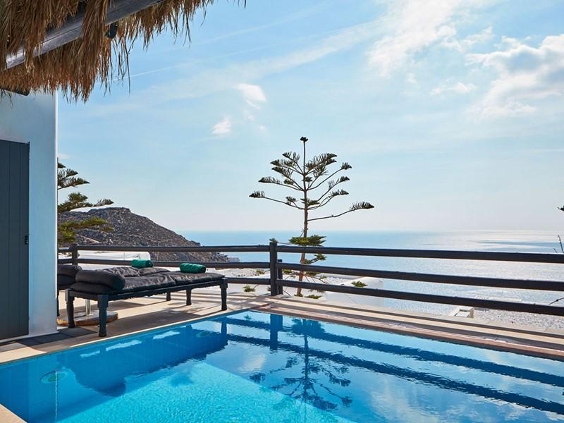 La piscine de la Grand Majestic Suite with Private Pool