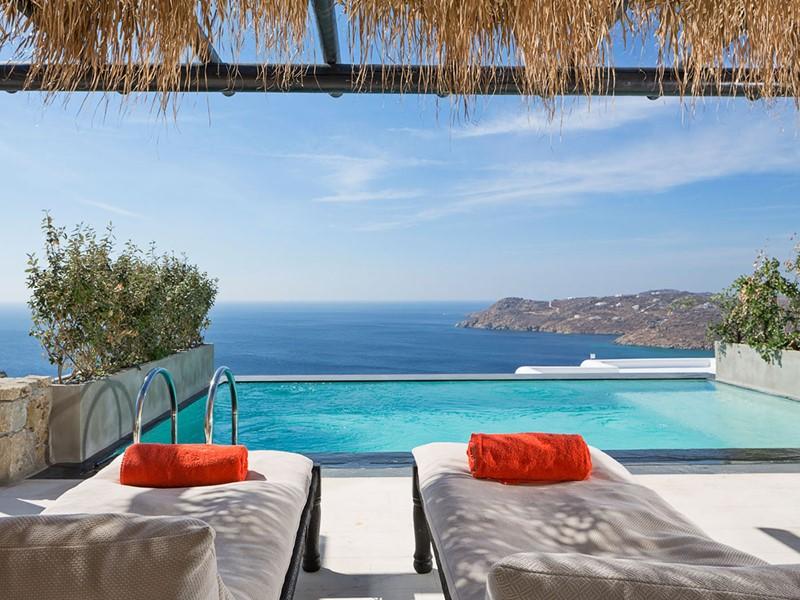 Profitez des superbes piscines des villas