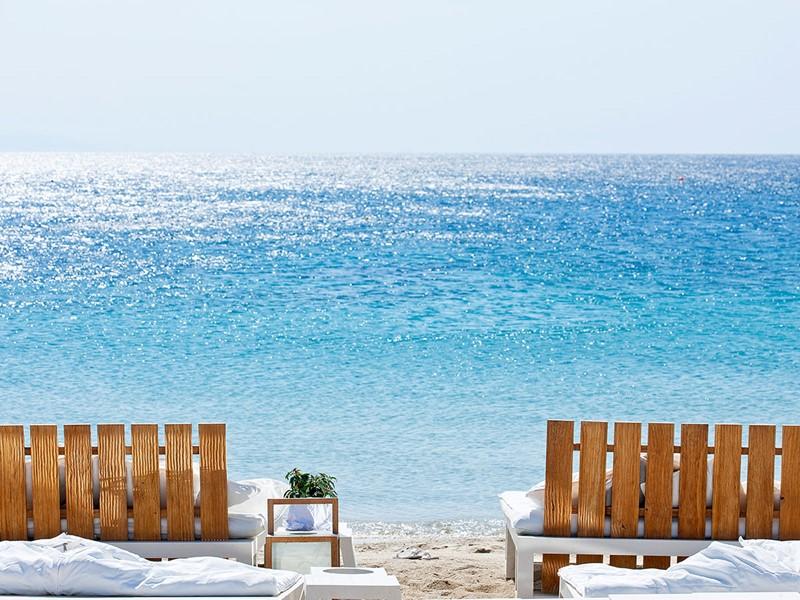 La superbe plage du Mykonos Ammos en Grèce