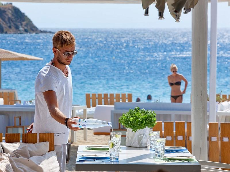 Le restaurant Kuzina de l'hôtel Mykonos Ammos