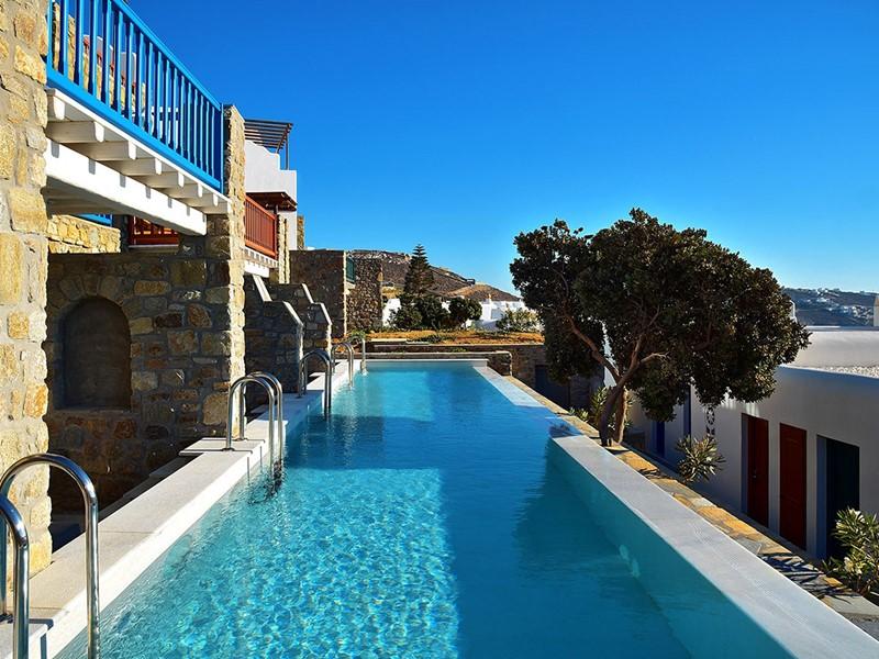 La magnifique piscine de l'hôtel Mykonos Grand