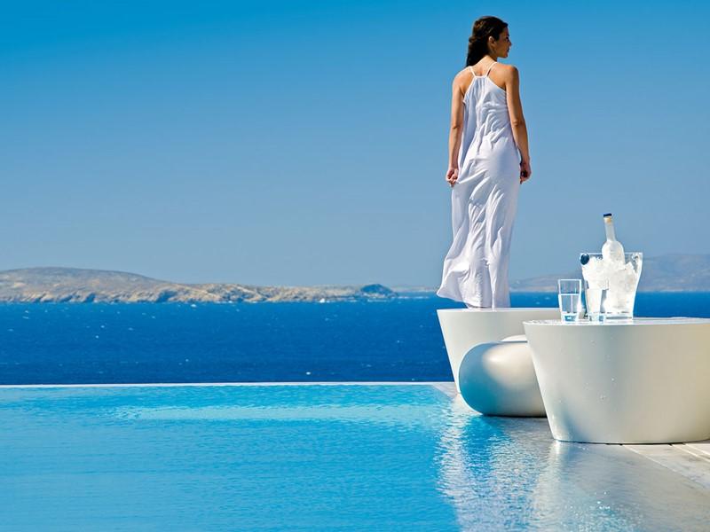Superbe vue sur la mer Méditerranée depuis le Mykonos Grand
