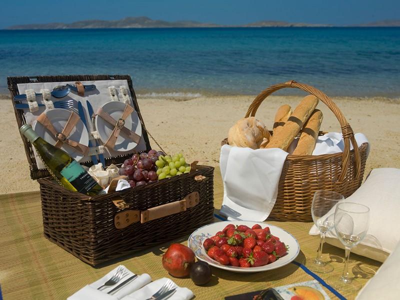 Pique-niquez sur la plage de l'hôtel Mykonos Grand