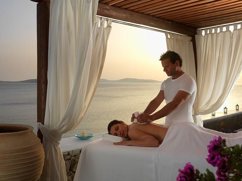 Relaxez-vous au spa du Mykonos Grand, face à la mer