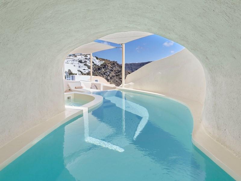 La piscine de la Mystery Villa