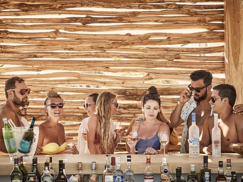 Le bar de l'hôtel