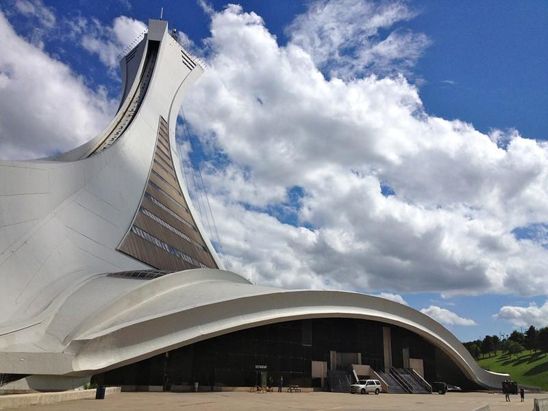 Admirez la plaine du Saint-Laurent depuis la Tour de Montréal