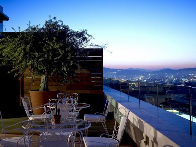 Terrasse du restaurant New Art Lounge