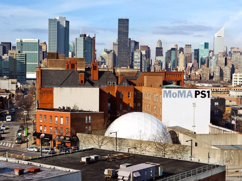 e Musée PS1, annexe du MoMA, véritable laboratoire artistique
