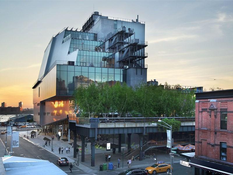 Le Whitney Museum est dédié aux œuvres américaines, il est particulièrement reconnu dans l'art moderne