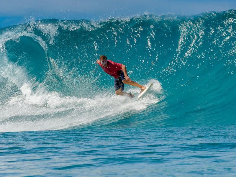 Les passionnés de surf se réjouiront au Nihi Sumba