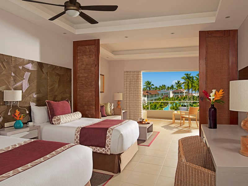 La Deluxe Pool View
