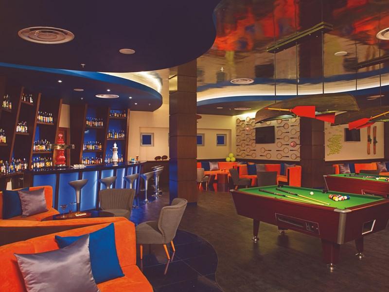 Le Scores Sports Bar