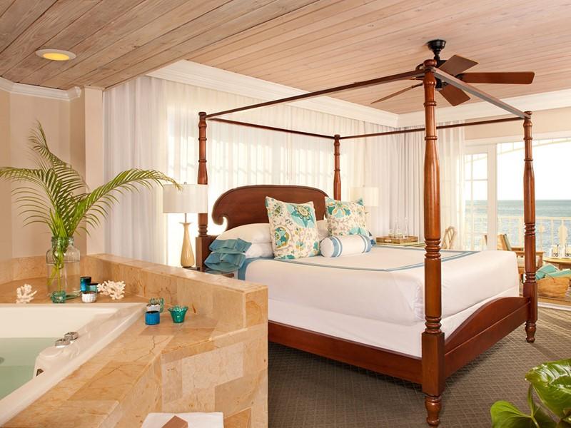 Deluxe Oceanfront Guestroom de l'Ocean Key