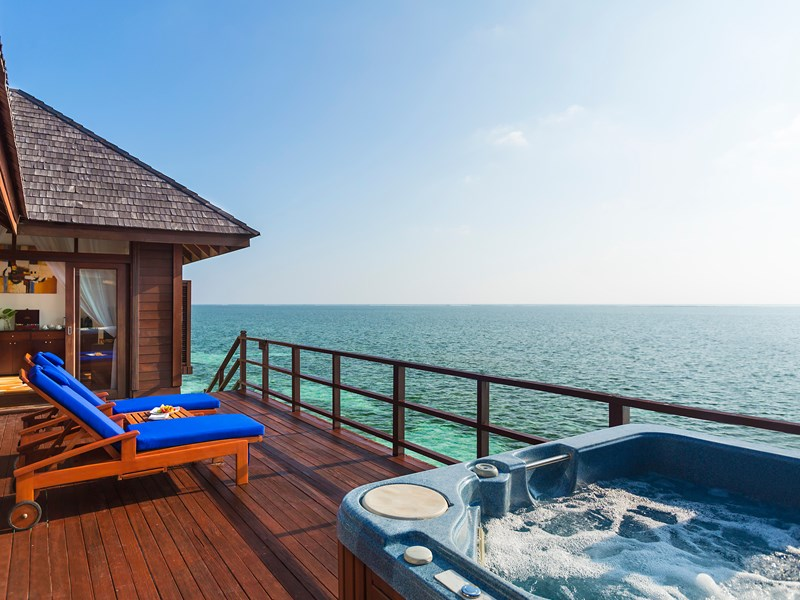 Prestige Jacuzzi® Water Villa