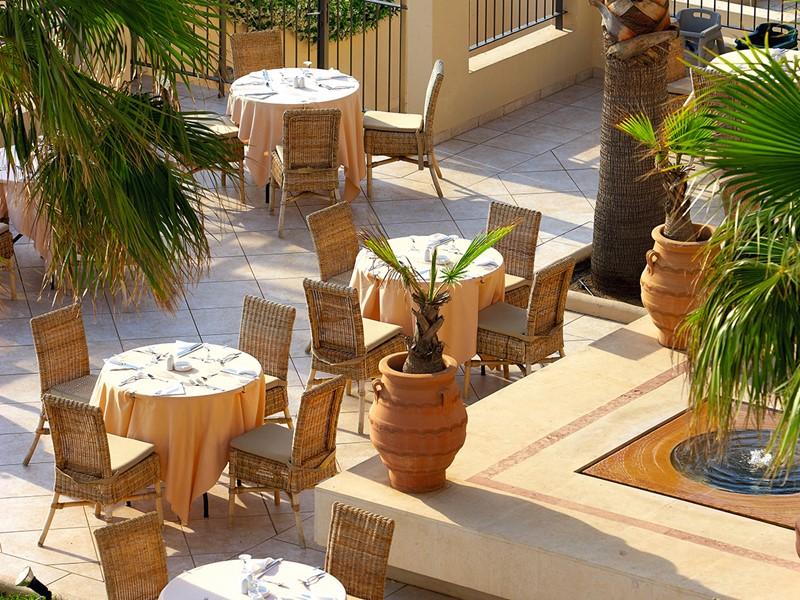 Saveurs typiques méditerranéennes au restaurant The Seasons de l'Olympia Oasis