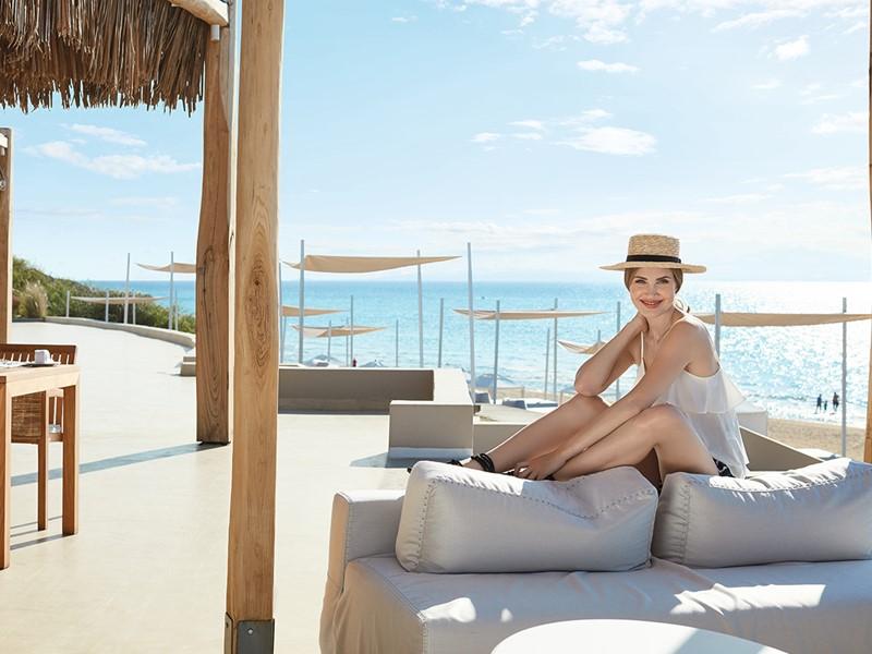 Détente à l'ombre à l'hôtel Olympia Riviera Thalasso