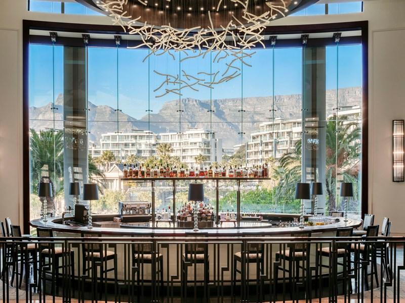 Le Vista Bar & Lounge