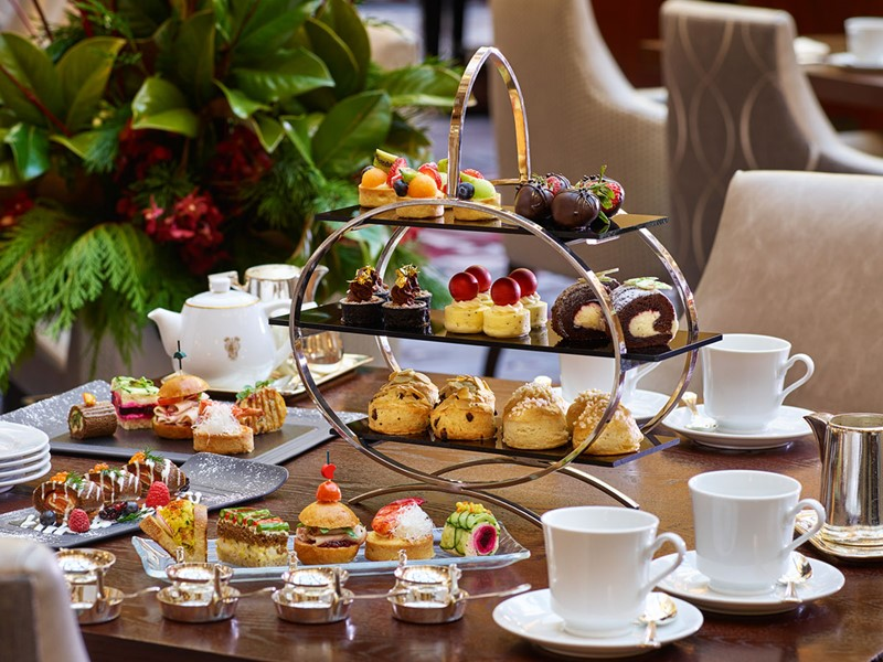 Profitez des petits délices à l'heure du thé au Palace Hotel