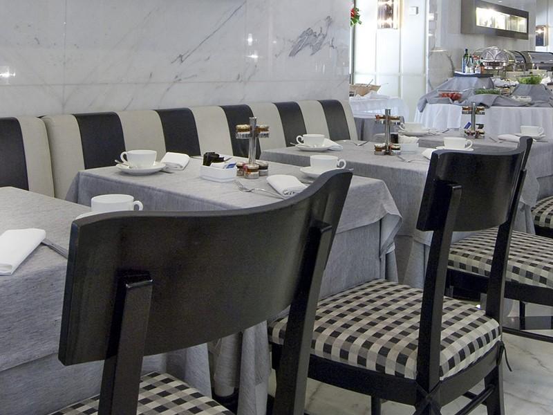 Salle de petit déjeuner La Frusta