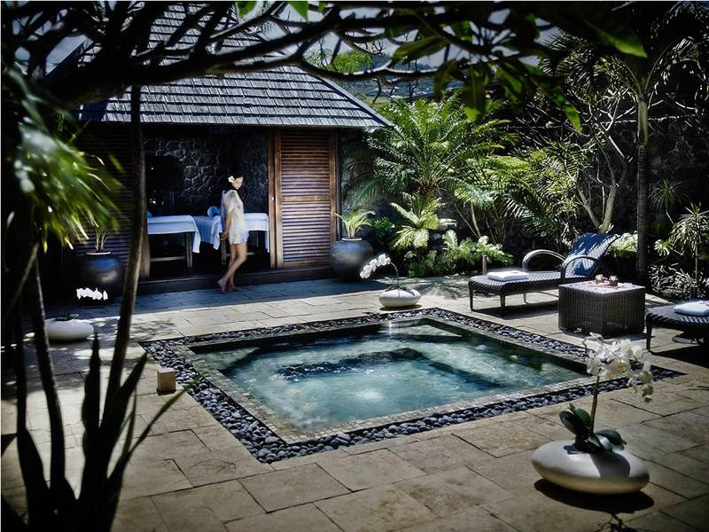 La cours du spa AKEA au Palm Hôtel & Spa à la Réunion