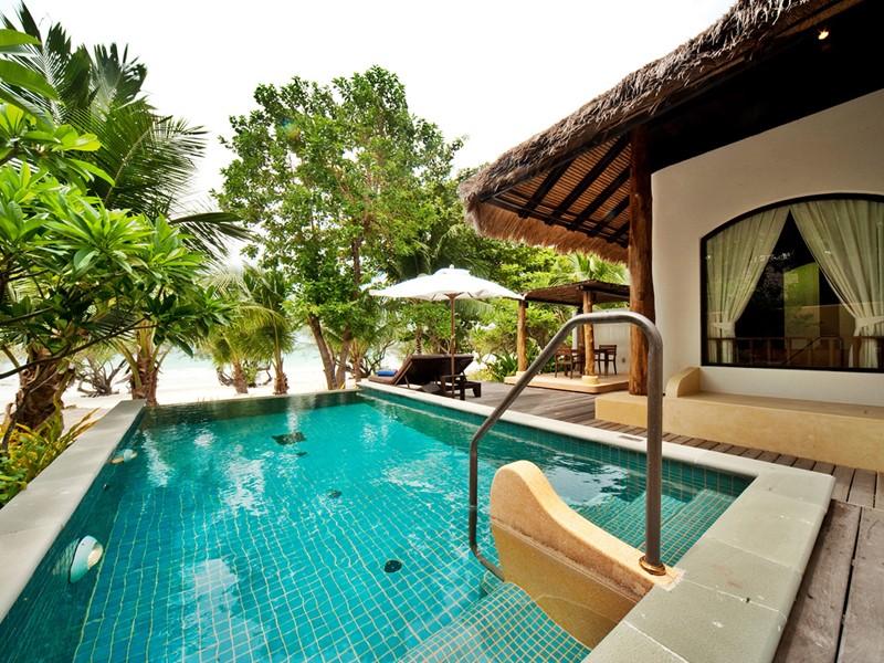 Beach Front Pool Villa de l'hôtel Paradee en Thaïlande