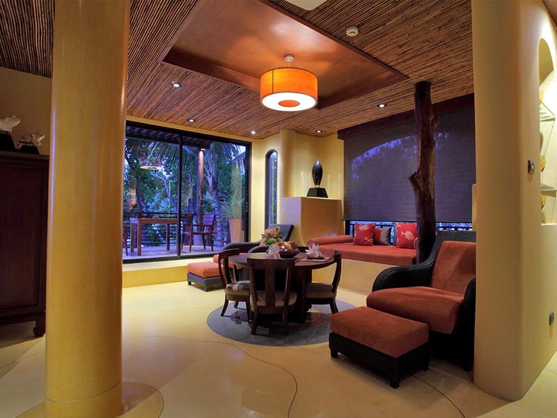 Intérieure de la suite de l'hôtel Paradee en Thaïlande